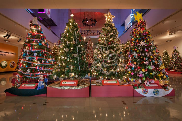 Christmas Around The World @ The Museum of Science and Industry