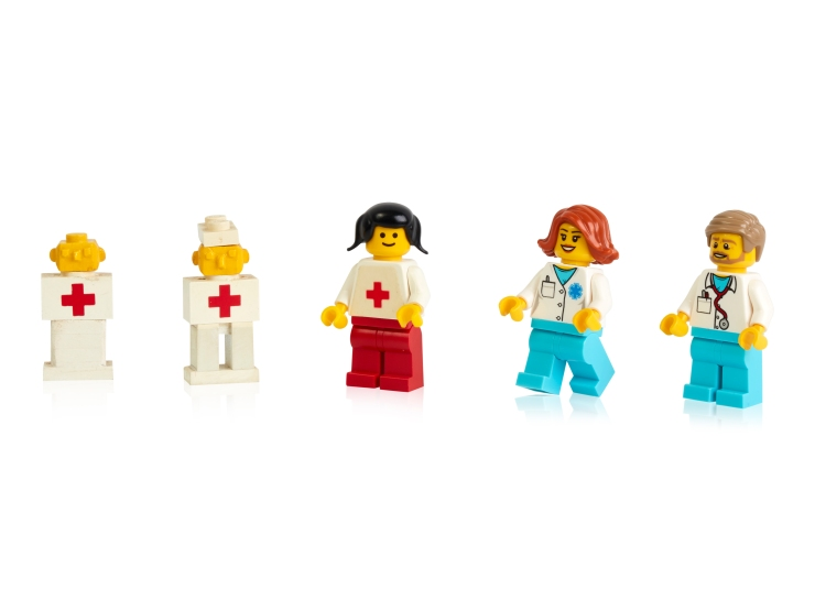Early-prototypes-first-and-more-recent-minifigure-doctors