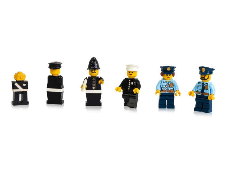 Early-prototypes-first-and-more-recent-police-minifigures