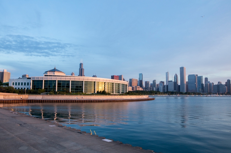 oceanarium exterior with chicago skyline