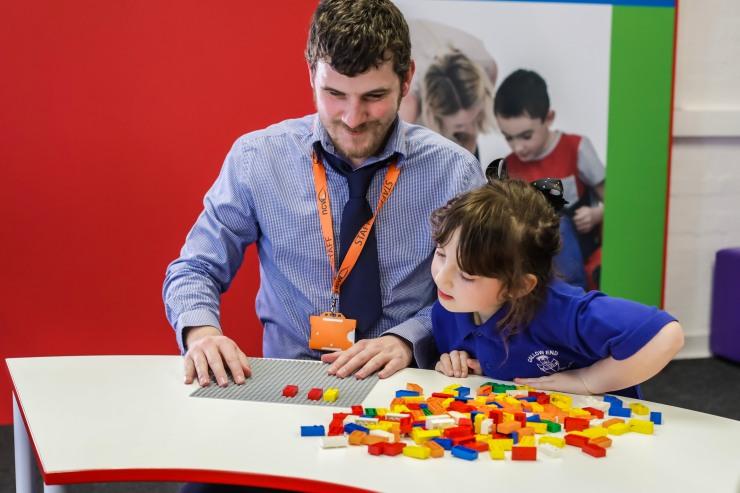 HighRes_Braille-Bricks_adult-and-child_1