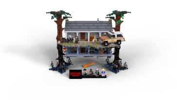 HighRes_LEGO-Stranger-Things_front