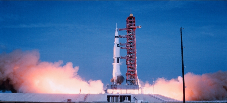 Apollo_16_Saturn_V_rocket_launch