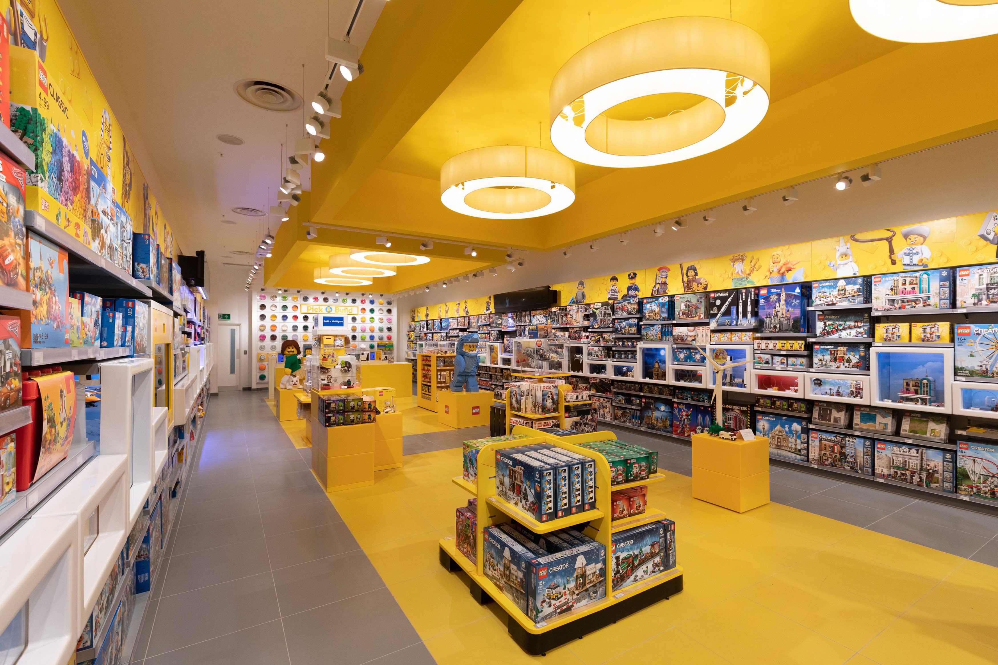 web_LEGO_BrandStore_02