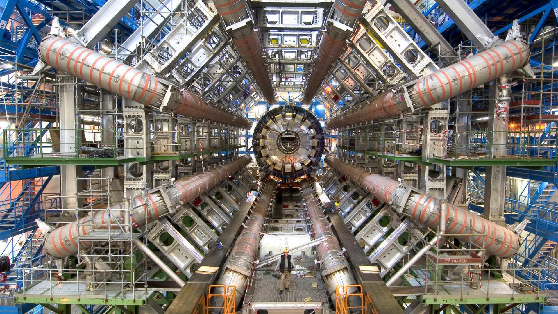 LargeHadronCollider_01-1.jpg